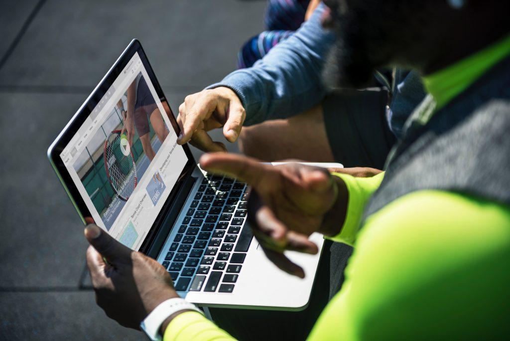 7 Cara Simpel Menarik Perhatian Audiens Bisnis Online Dengan Video Live